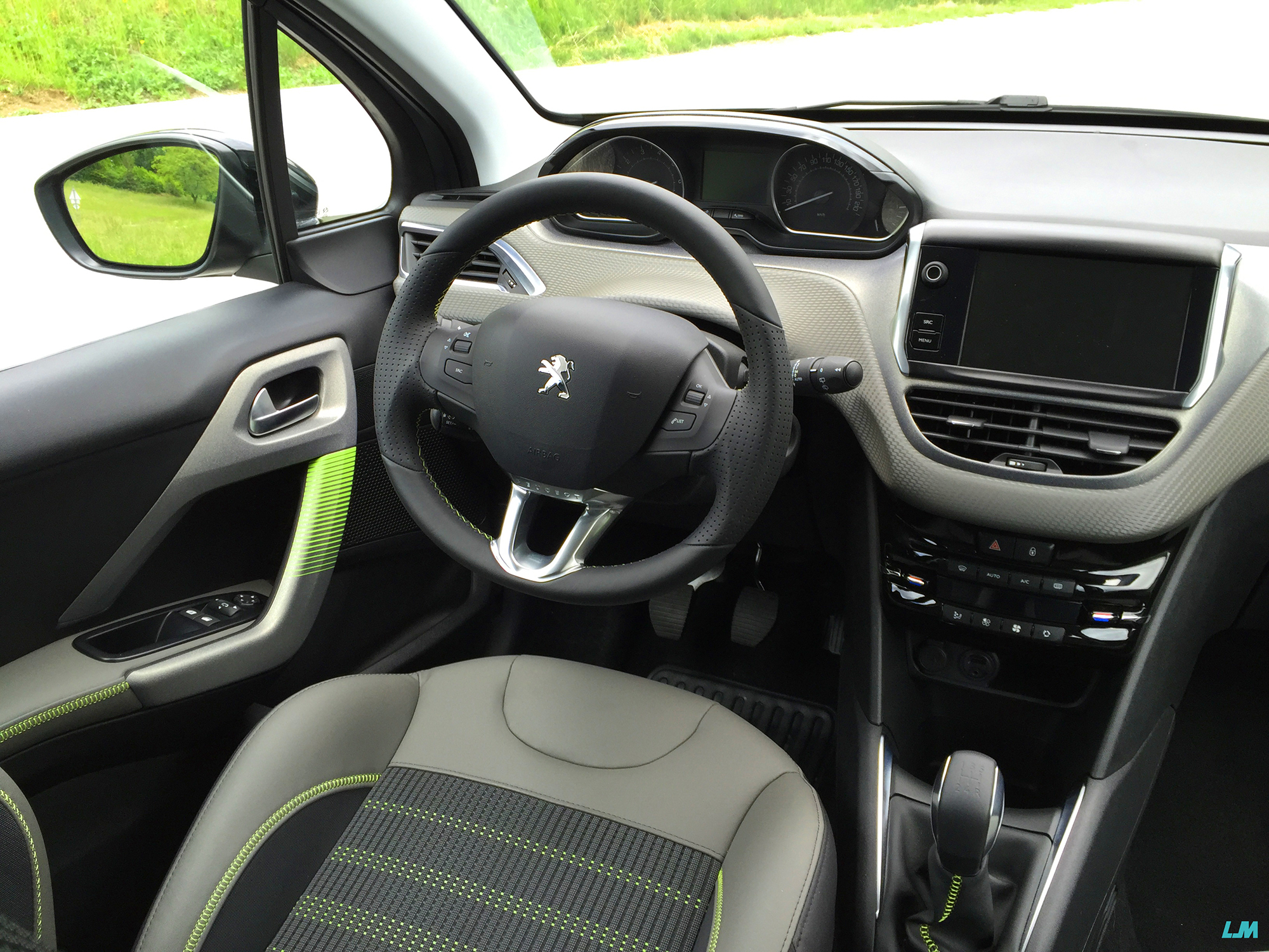 Essai nouvelle peugeot 208 pas qu 39 un simple face lift for Interieur peugeot 208