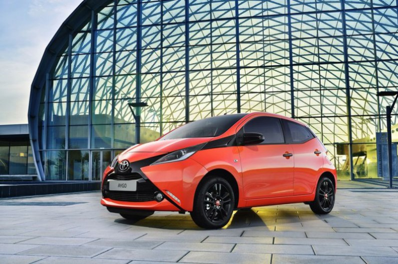 toyota aygo orange