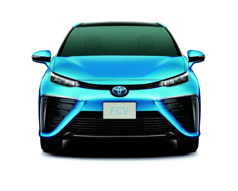 toyota-fuel-cell-sedan-avant