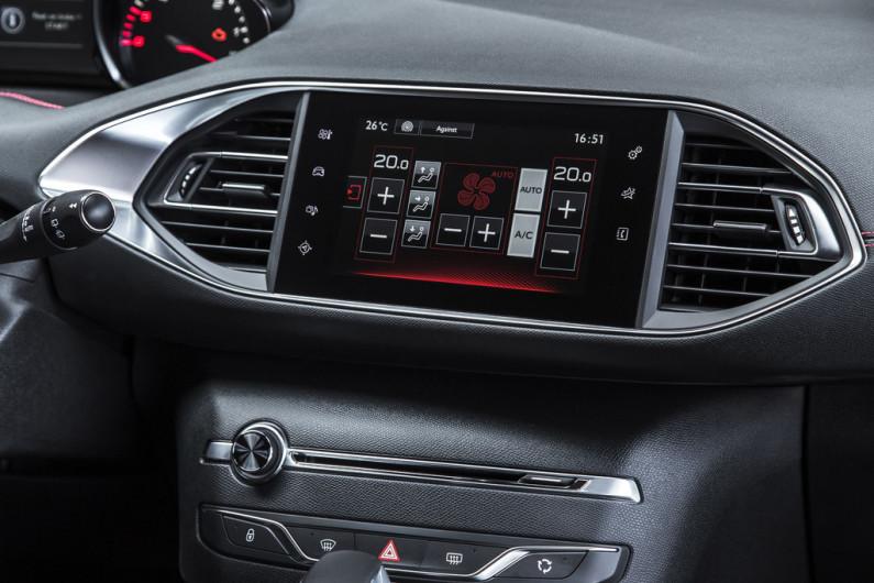 Ecran tactile de la Peugeot 308 GT