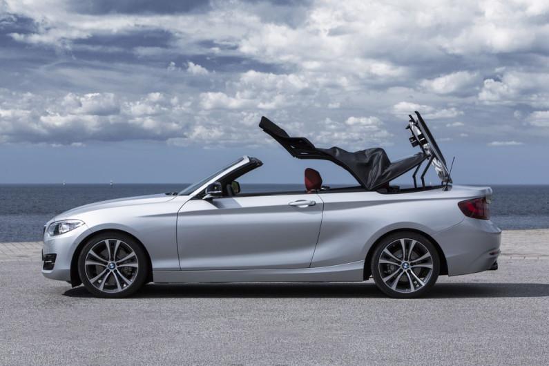 BMW Série 2 cabriolet capote ouverte