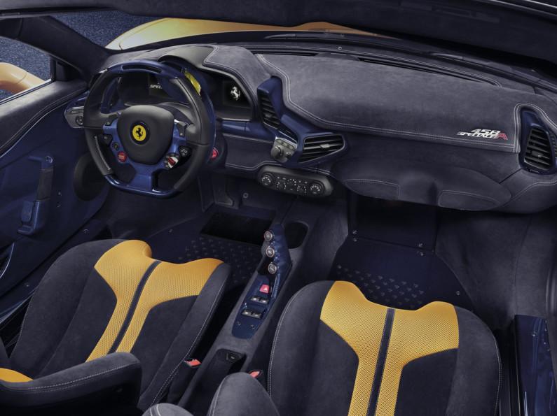 Ferrari 458 Speciale A intérieur