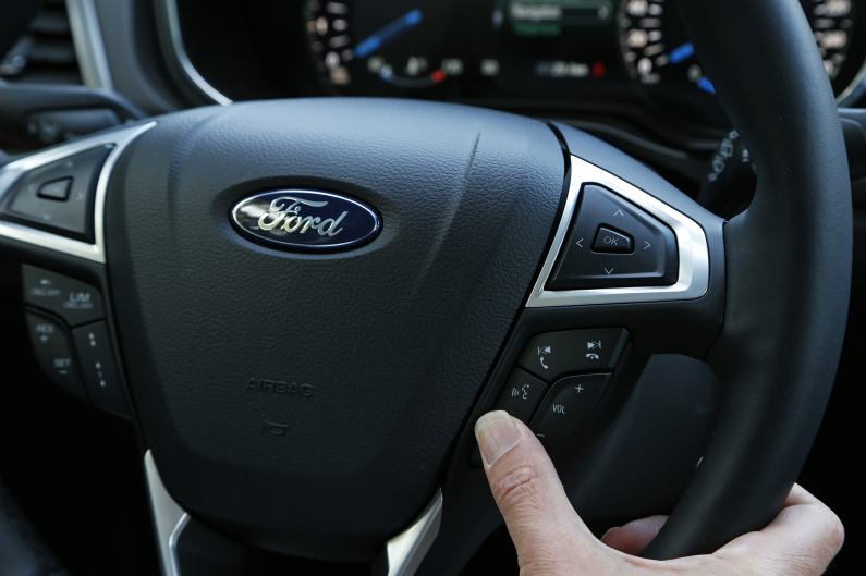 AUTO - FORD SYNC 2 2014
