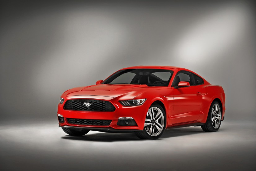 Ford Mustang 2015 rouge