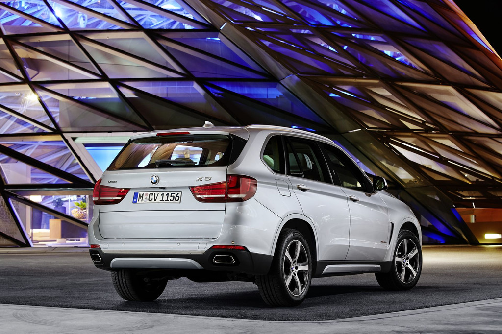 le bmw x5 xdrive40e hybride rechargeable arrive. Black Bedroom Furniture Sets. Home Design Ideas
