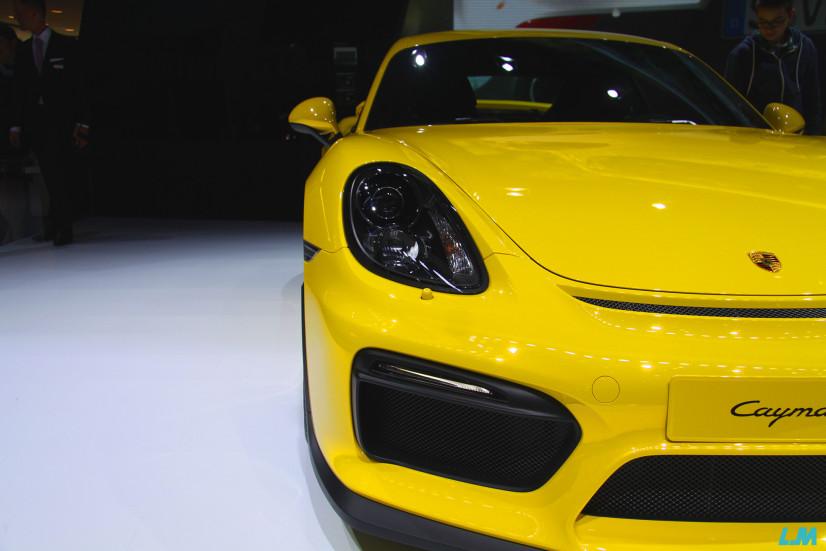 Porsche Cayman GT 4 avant