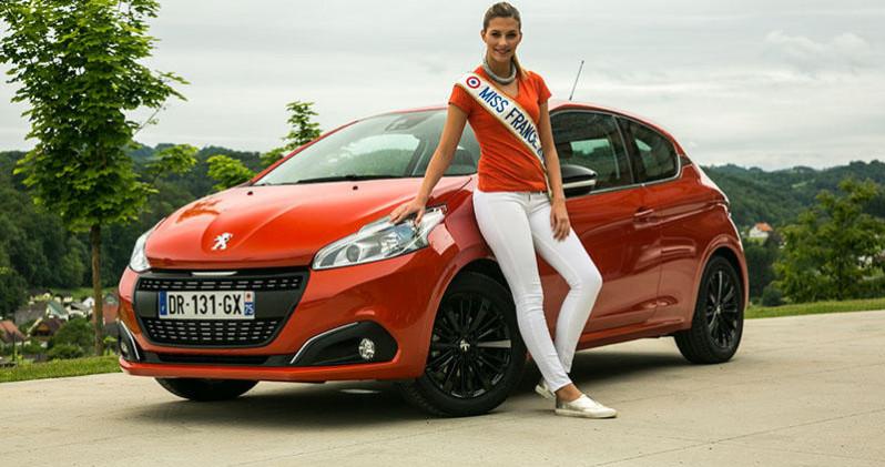 Miss France essaye la nouvelle Peugeot 208