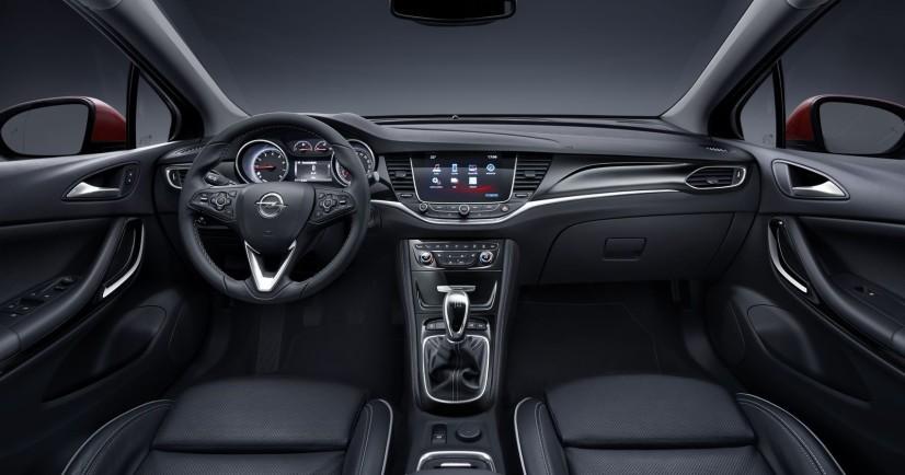 Vue intérieur Opel Astra 2015