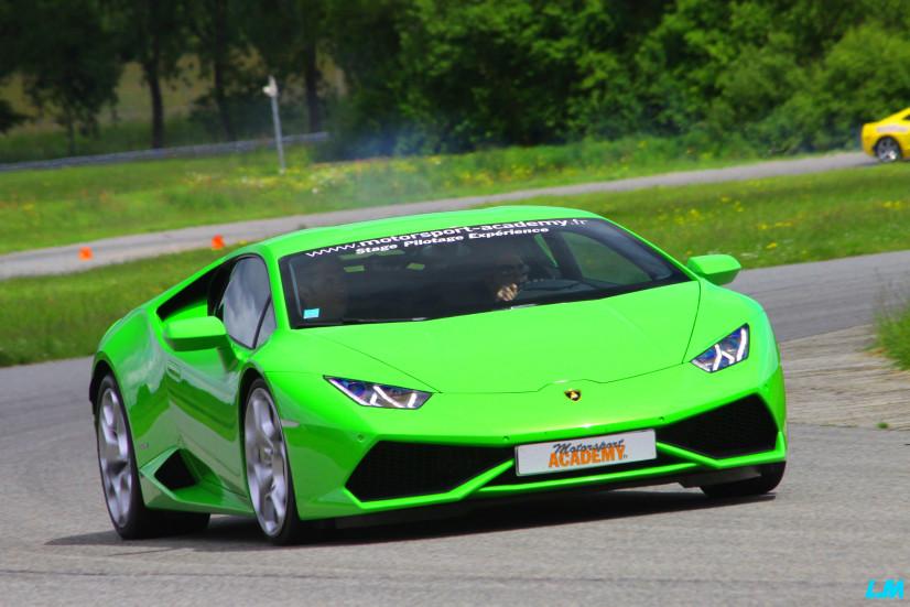 Lamborghini Huracan sur le circuit de Lohéac