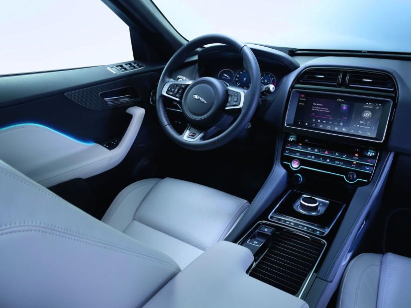 Vue intérieur Jaguar F-Pace