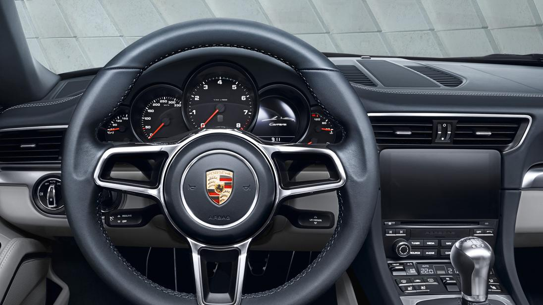 Nouvelle porsche 911 un turbo sinon rien for Porsche 911 interieur