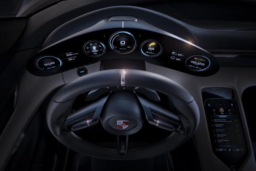 Volant Porsche Mission E Concept