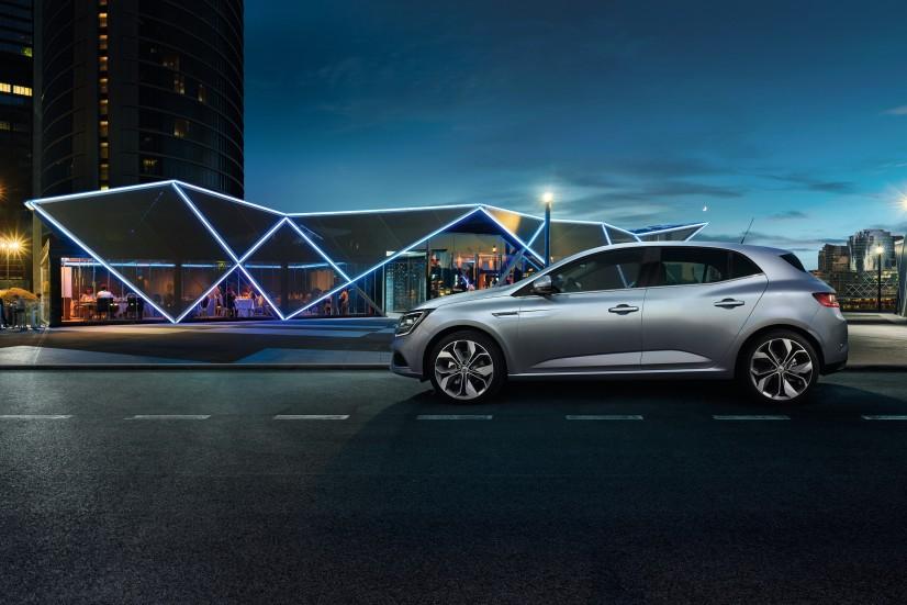 Renault_Megane_2016_laterale