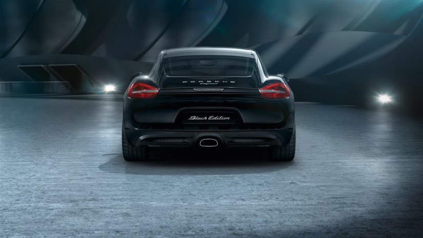 Porsche Cayman Black Edition latérale