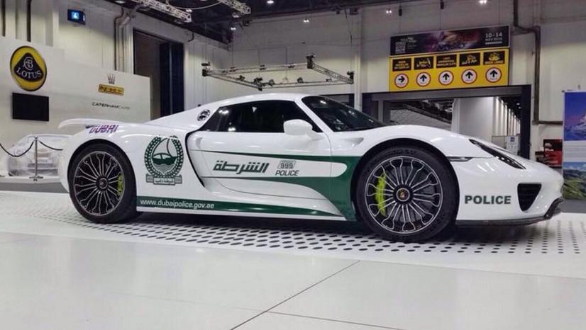 Porsche 918 Spyder Dubai