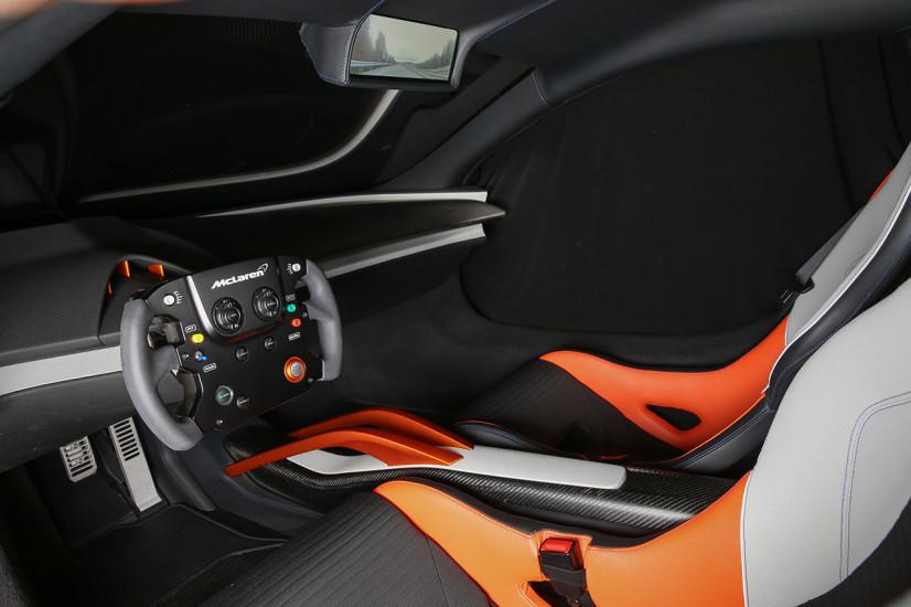 Volant McLaren 675LT JVCKenwood