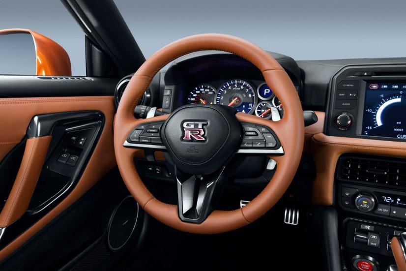Volant Nissan GT-R 2017
