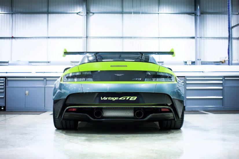 Aston-Martin-Vantage-GT8-01